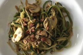 koolhydraatarme lunch; noodles van courgette Today I Meet
